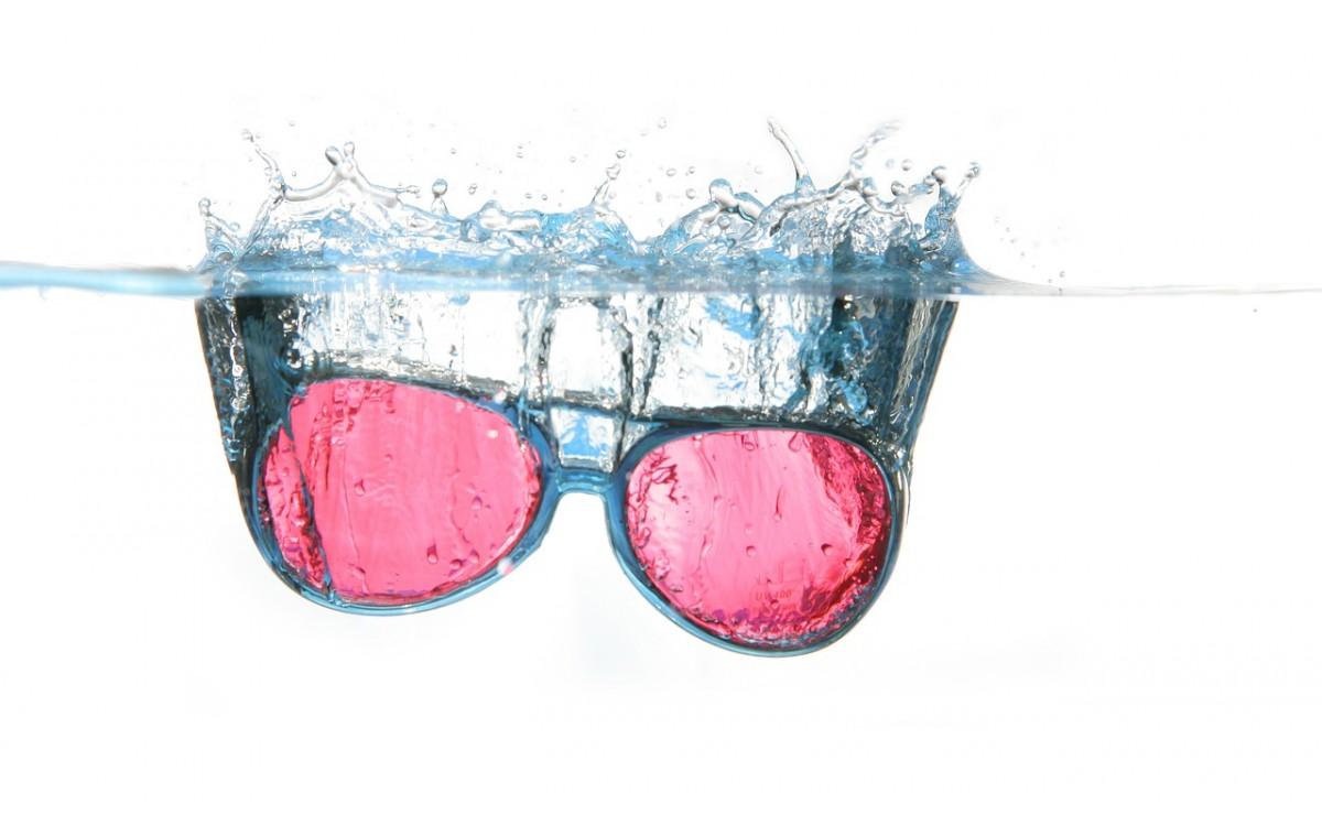 Nooit meer uw bril verliezen op het water